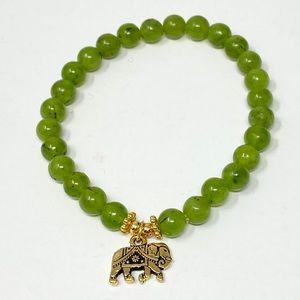 Jade stretch bracelet with elephant charm NWOT